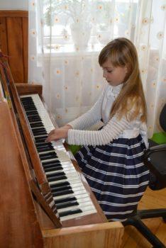 У дошкільному закладі Карітасу Львова виступили діти музичної школи-інтернату ім. Соломії Крушельницької