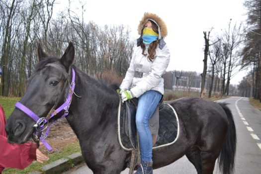 «Миколай на конях» для дітей проекту «Мобільна робота з молоддю в Україні» Карітасу Львова