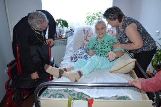 Канадські благодійники передали для українців з особливими потребами інвалідні візки