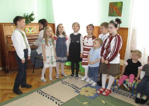 """У Кризовому центрі """"Діти вулиці"""" виступали юні таланти школи-інтернату ім. Соломії Крушельницької"""