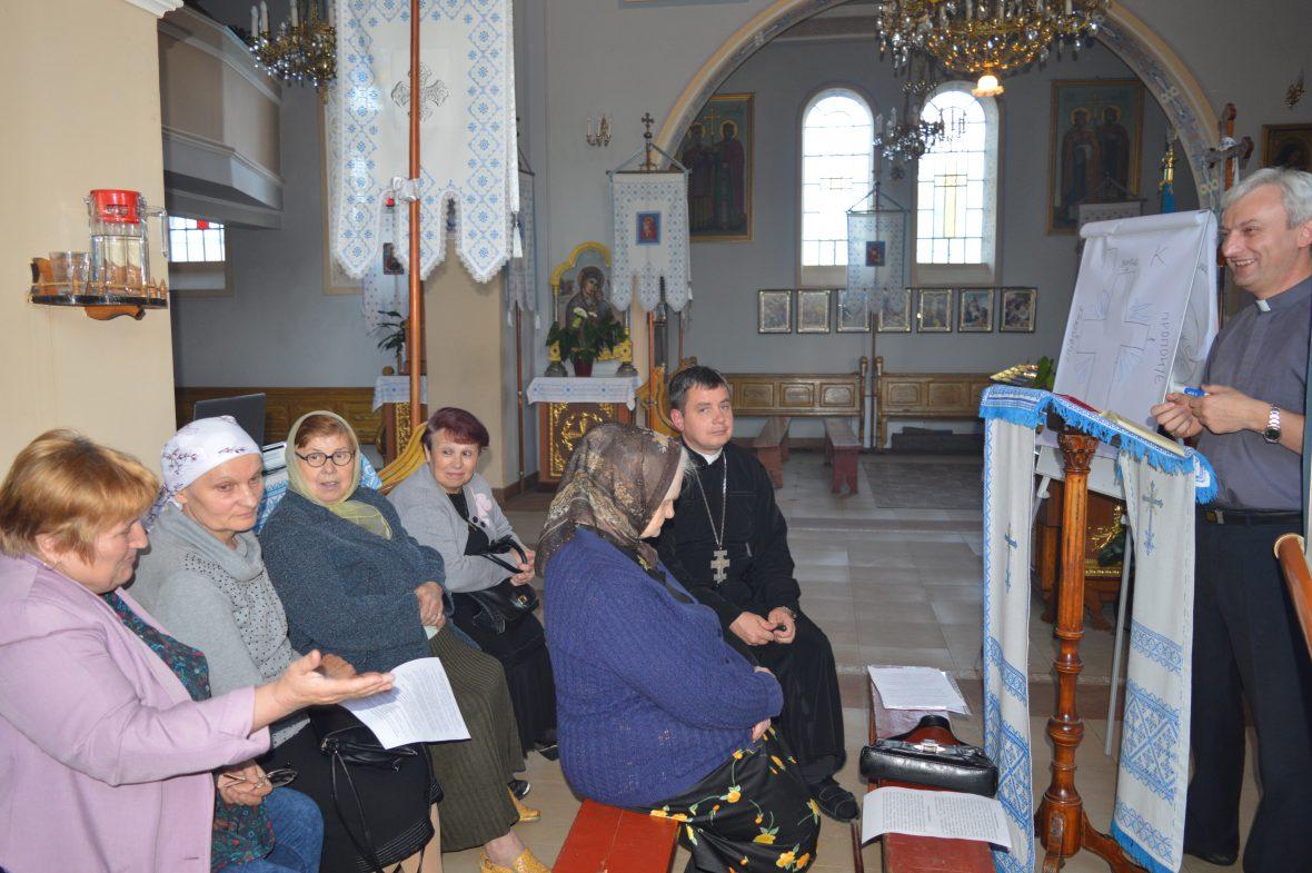Зустріч команди Карітасу з активними парафіянами храму св. апостола Андрія і свщмч. Йосафата