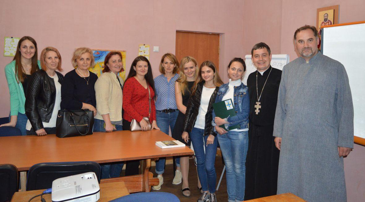 Друга зустріч для волонтерів соціального служіння у львівській парафії Успення Пресвятої Богородиці