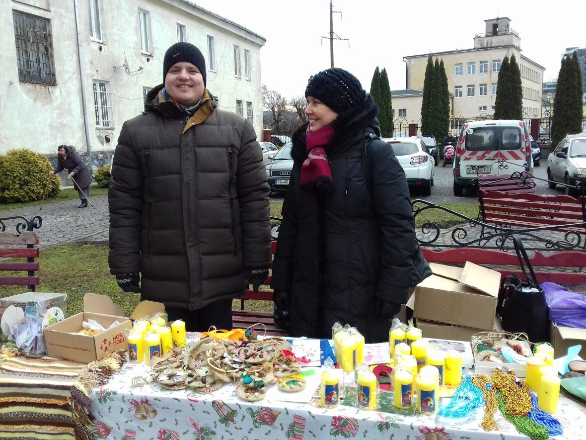 Молодь з особливими потребами Карітасу Львова презентувала свої вироби на виставці-ярмарку