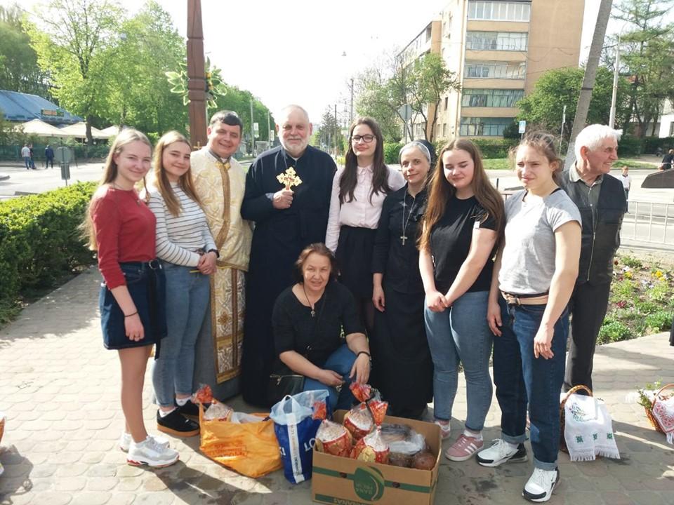 Парафіяльний Карітас громади св. Кирила і Методія роздав великодні набори