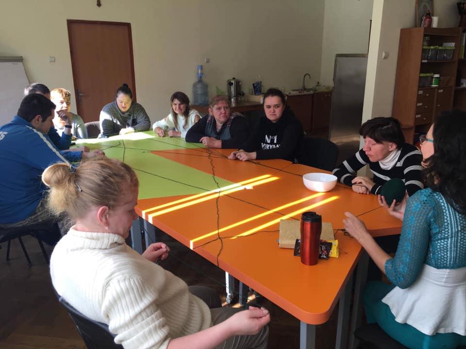 Зустрічі особливої молоді з психологом
