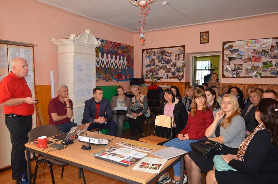 Зустріч волонтерів соціального служіння з директором Карітасу Зноймо (Чехія)