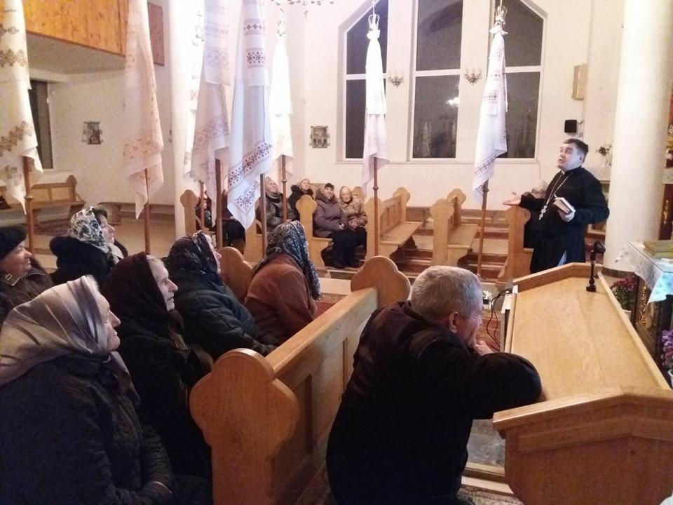 Перша зустріч з активними мирянами парафії Святого Миколая у с. Відники