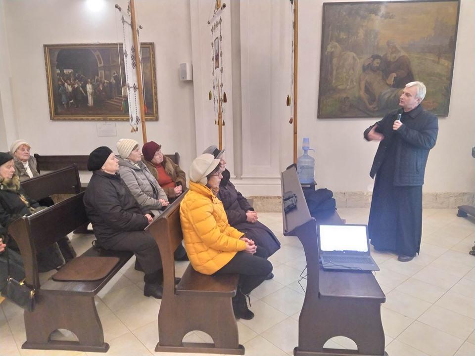 Соціальні дні: у храмі Святої Софії говорили про Парафіяльний Карітас