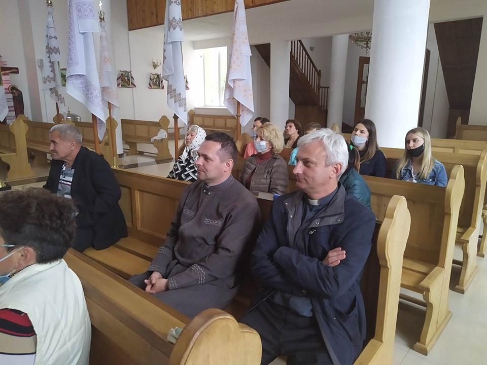 Активізація соціального служіння: зустріч з громадою у с. Відники