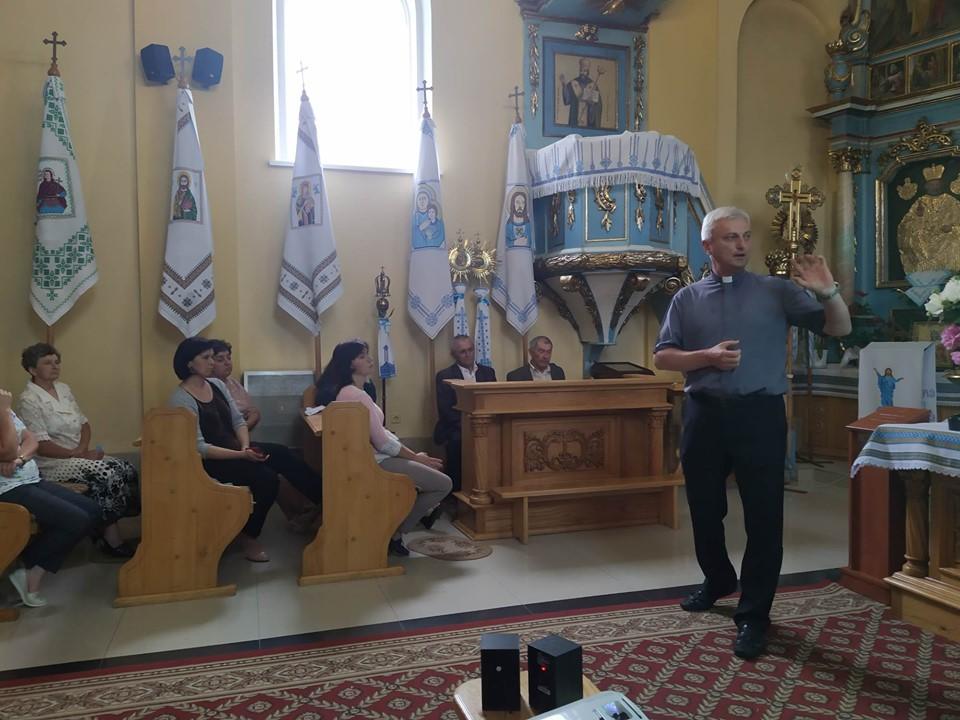 Відбулась зустріч з активізації соціального служіння у Ремезівцях