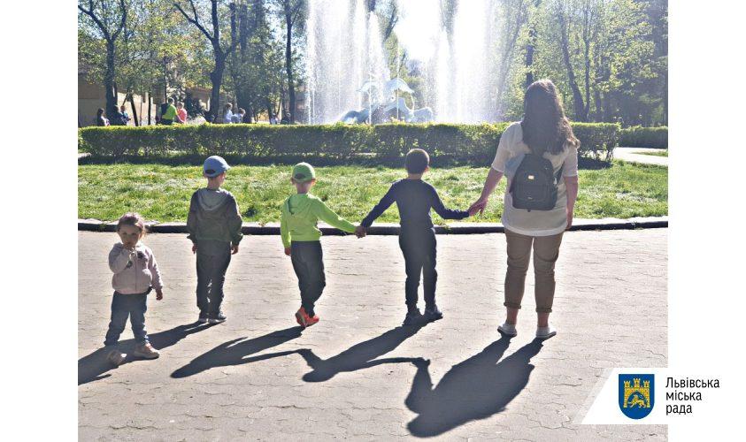 Патронат над дитиною: чому це важливо – на прикладі однієї сім'ї, яка допомогла уже 6 дітям у складних життєвих обставинах